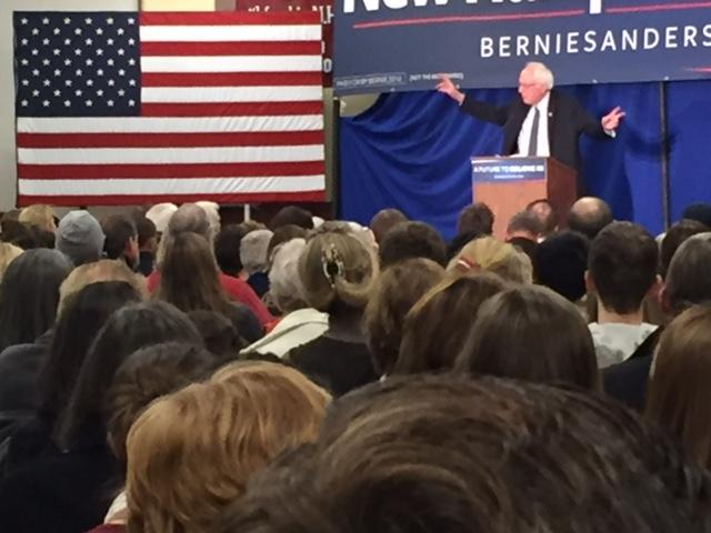 Bernie+Sanders+Speaks+to+Crowd+of+all+Ages