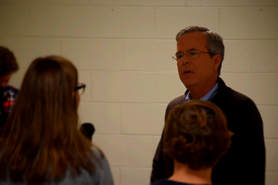 The Claw staff greeted Jeb Bush and had the opportunity to ask him a variety of questions.