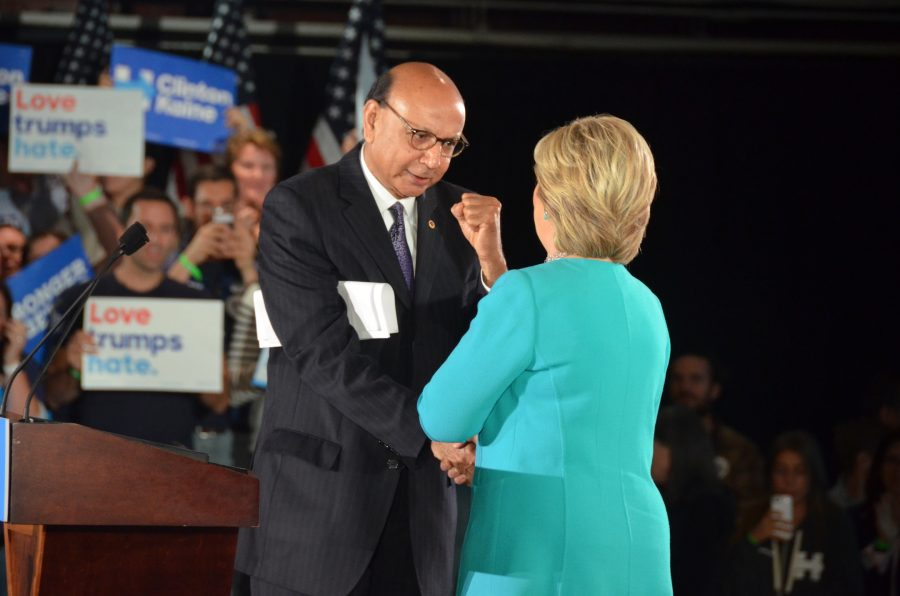 Khizr+Khan+tells+the+crowd+his+own+story+before+introducing+Hillary+Clinton.