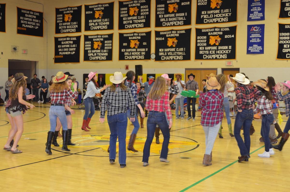 The+freshmen+get+ready+for+a+dance+battle.