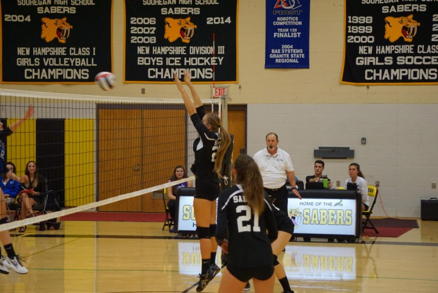 Souhegan Girls Volleyball ends  St. Thomas' undefeated streak