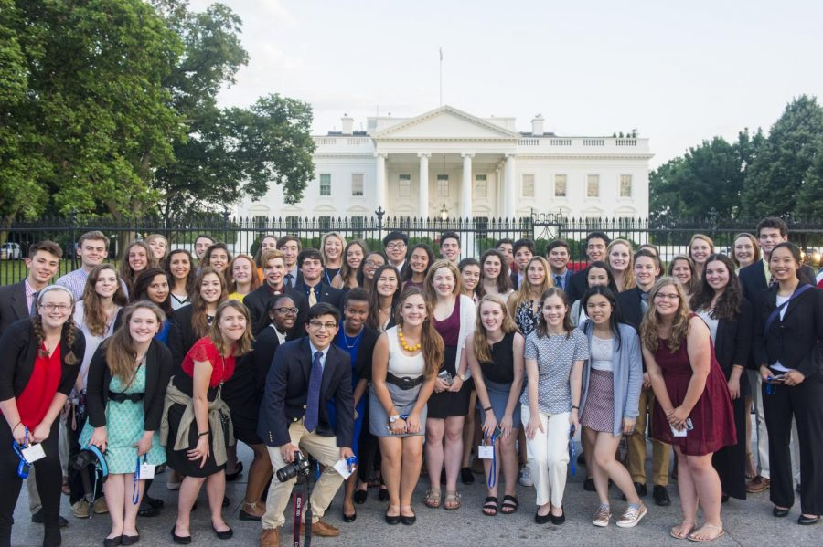 The 2017 scholars stand in front of the White House. (Photo courtesy of the Newseum)