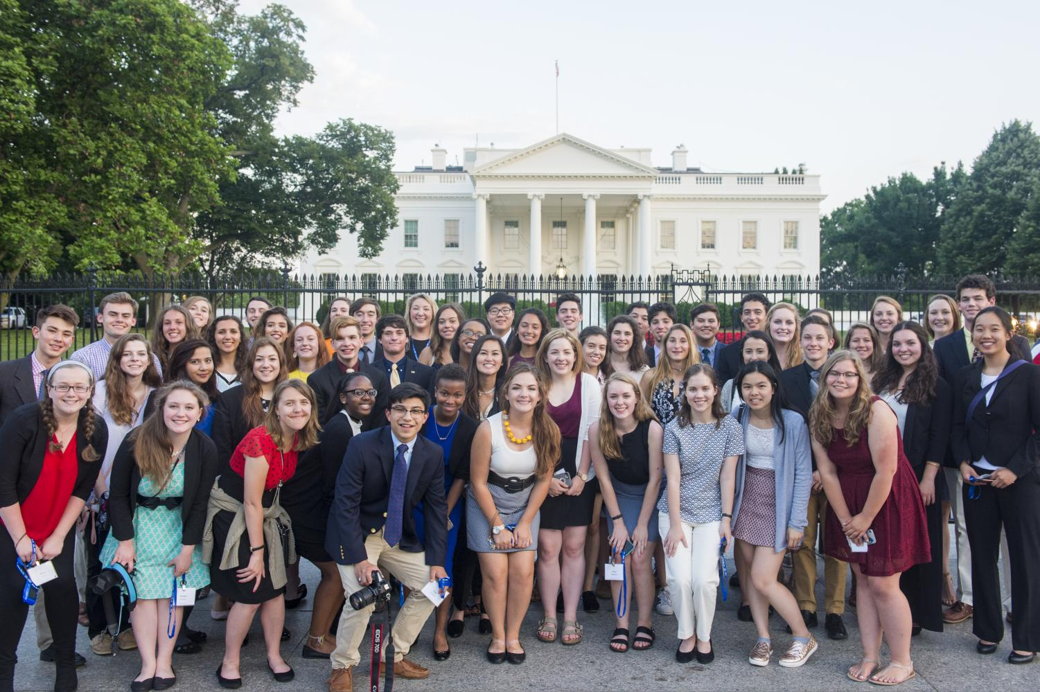 The+2017+scholars+stand+in+front+of+the+White+House.+%28Photo+courtesy+of+the+Newseum%29