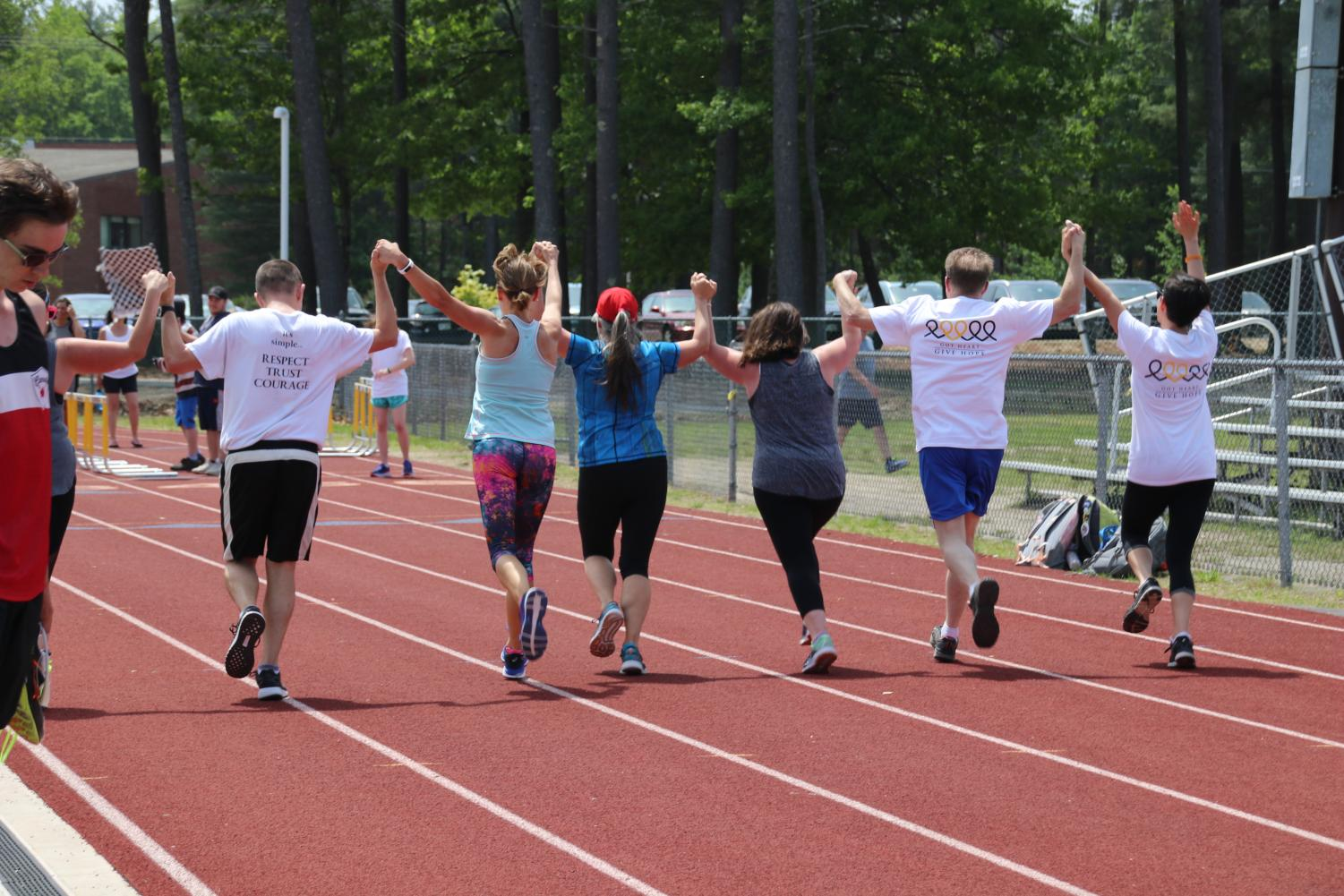 Some+of+the+teachers+that+ran+completed+the+5K+together.